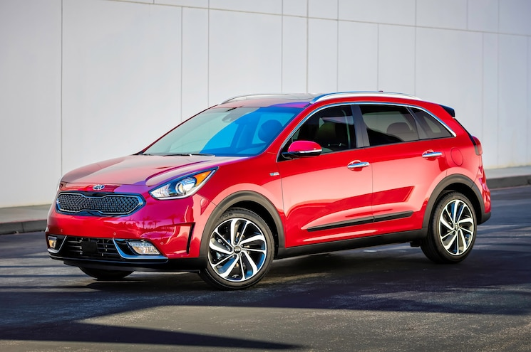 2017 Kia Niro First Look