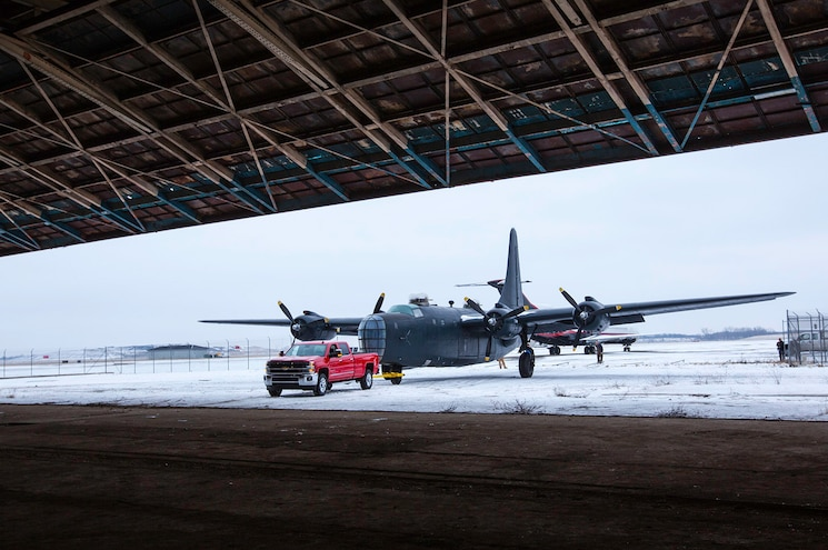Yankee Air Museum 2016 Chevrolet Silverado 3500hd Hauling Consolidated Privateer Into Hangar