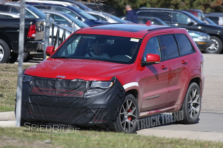 """Images Surface of Jeep Testing Grand Cherokee Hellcat """"Trackhawk"""""""