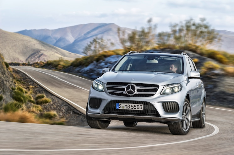 2016 Mercedes Benz GLE550e Front End In Motion