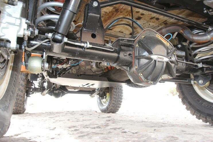 17 Jeep Fc150