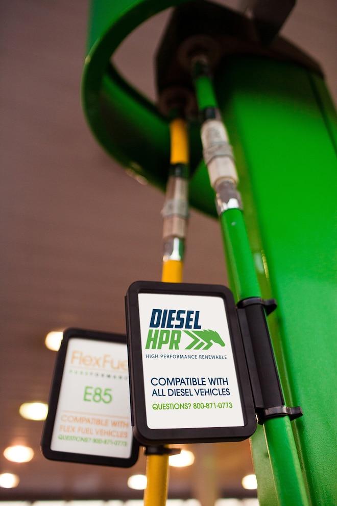 001 DSLP 160700 TOPT Premium Diesel