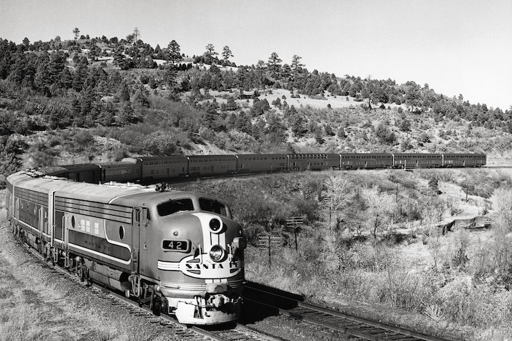 002 The Super Chief In Transit