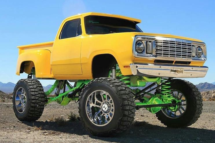 001 1971 Dodge W300 Power Wagon