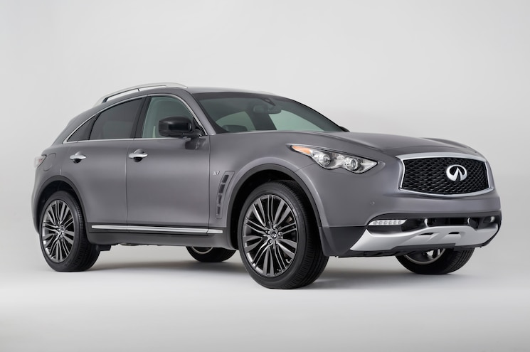 Infiniti Brings 2017 QX70 Limited to New York