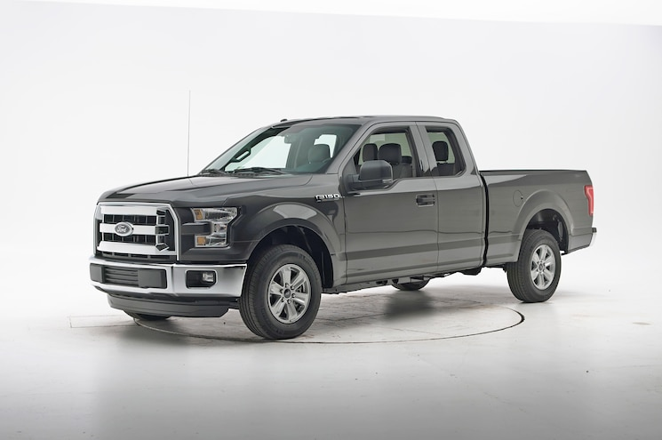 2016 Ford F 150 Extended Cab IIHS Crash Test Front Three Quarter