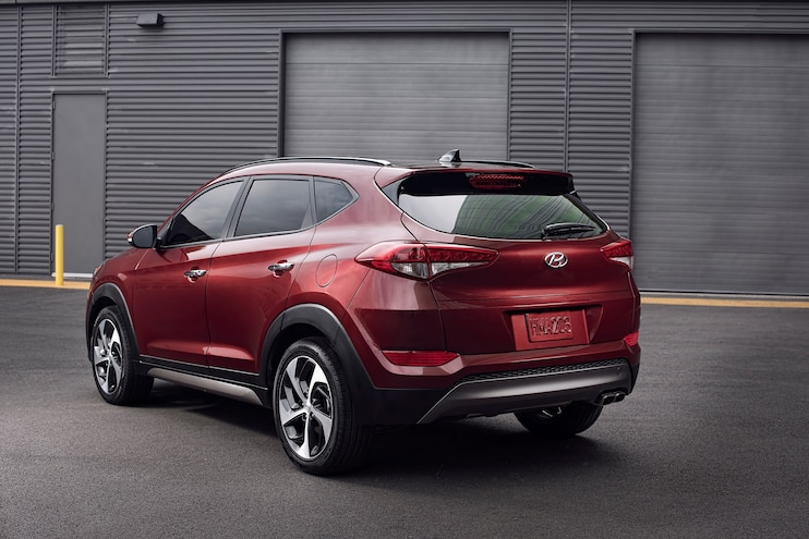 2016 Hyundai Tucson Rear Three Quarter 02