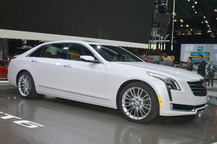 2016 Cadillac CT6 First Look