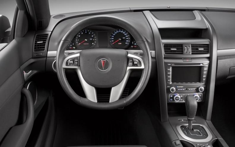 2010 Pontiac G8 Sport Truck interior