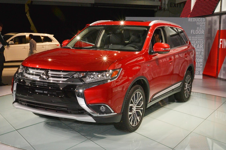 2016 Mitsubishi Outlander First Look