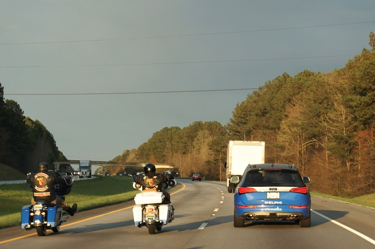 Delphi Automated Drive Audi Sq5 On Highway With Motorcycles