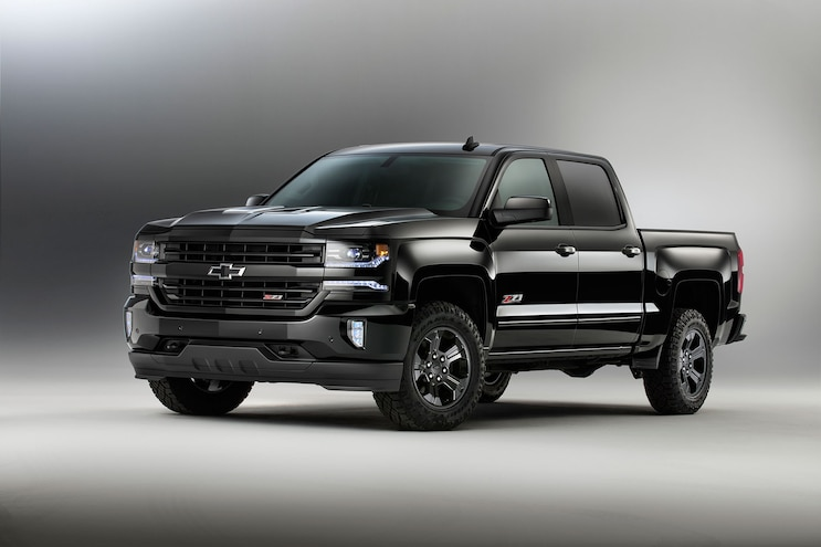 2016 Chevrolet Silverado 1500 Front Three Quarter 02