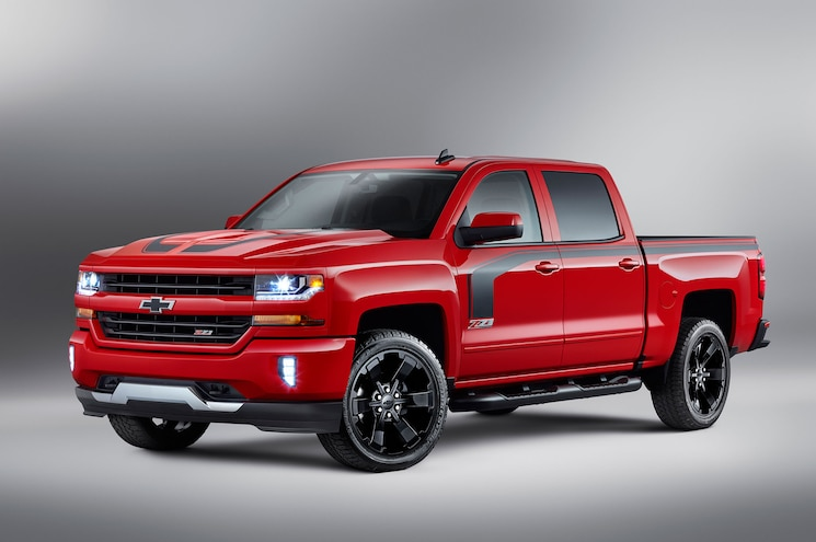 More Decal: 2016 Chevrolet Silverado Rally Edition Unveiled