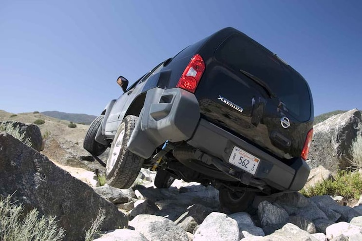 full Size Off Roading Suv Comparo 2008 Nissan Xterra OR V6 4x4 Rear View