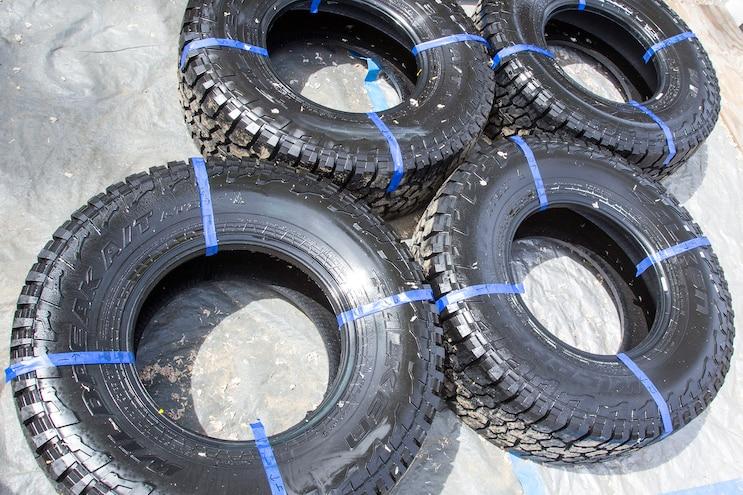Shine Wars - We Test 16 Tire Shines