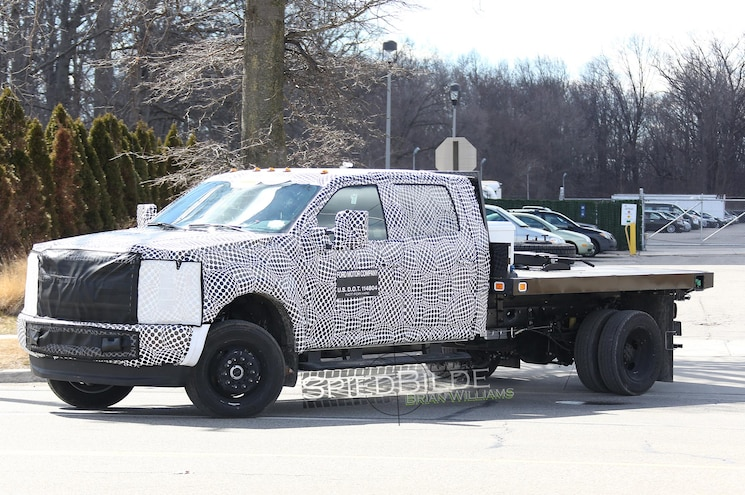 2017 Ford F Series Super Duty Chassis Cab Front Three Quarter