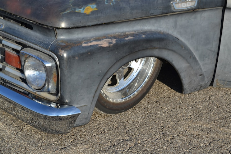 016 DSLP 160800 FORD Slammed Six Liter F100 Front Wheels And Tires