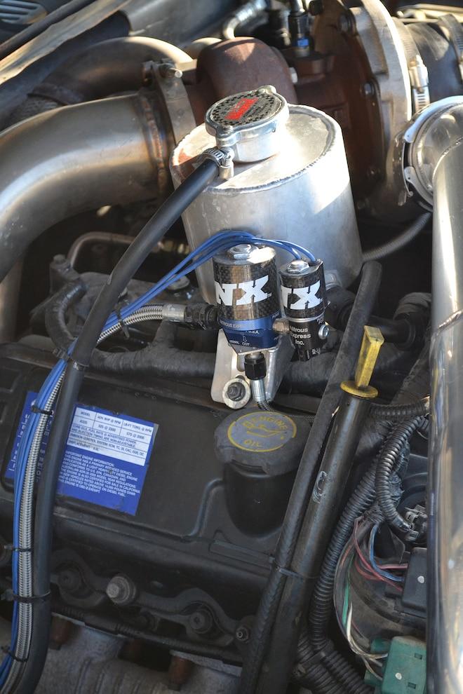 011 DSLP 160800 FORD Slammed Six Liter F100 Nitrous