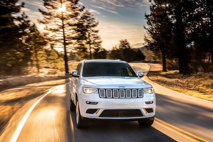 014 Auto News 2017 Jeep Grand Cherokee Summit Off Road Front 3 4