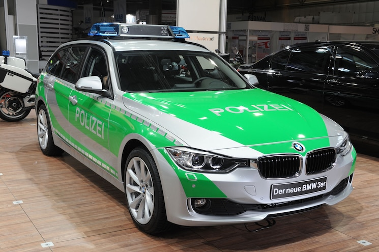 """German Police Say BMW 318d Wagon """"Unsuitable for Patrol"""""""