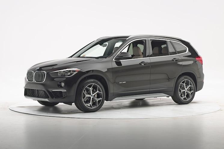 2016 BMW X1 IIHS Testing Front Three Quarter