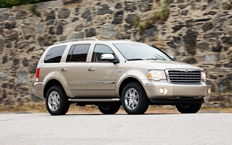 2009 Chrysler Aspen Hybrid Front Three Quarters View Photo Gallery 13 Photos