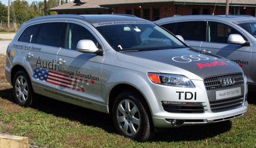 audi Diesel Mileage Marathon Day One Audi Q7 TDI Front Three Quarter View