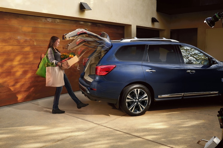 2017 Nissan Pathfinder Rear Quarter Hatch 25