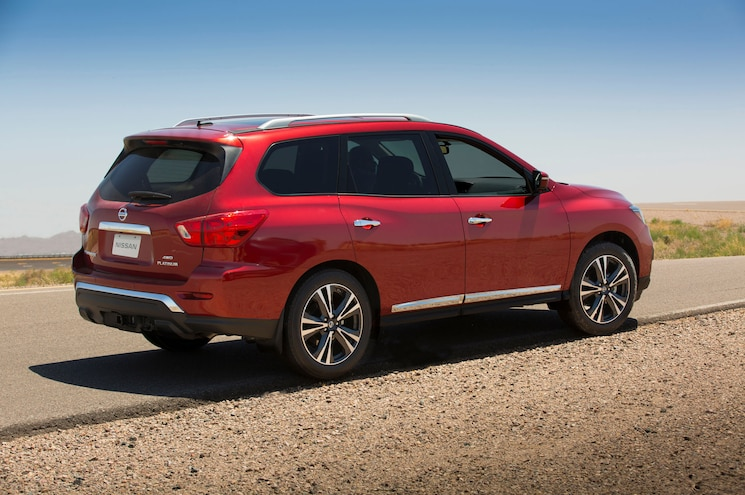 2017 Nissan Pathfinder Rear Quarter Rocks 3