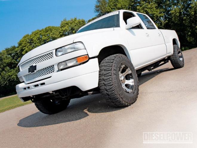 2002 Chevy Silverado left Front Angle