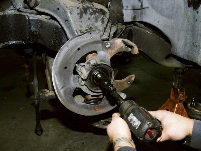 Chevy S10 - Air Suspension Install - Tech - Mini Truckin' Magazine