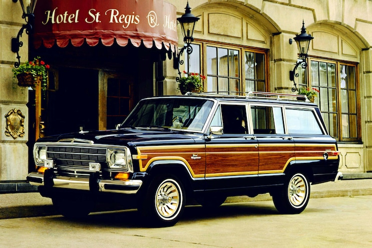 1986 Jeep Grand Wagoneer Front Three Quarter