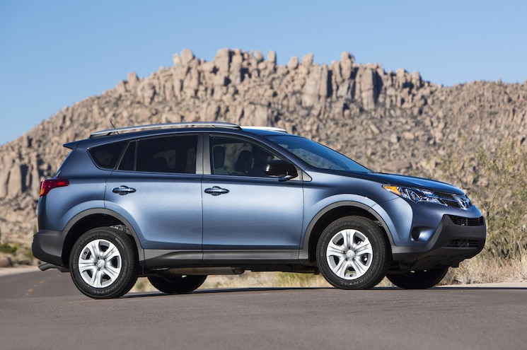 2015 Toyota RAV4 LE AWD Side Profile 01
