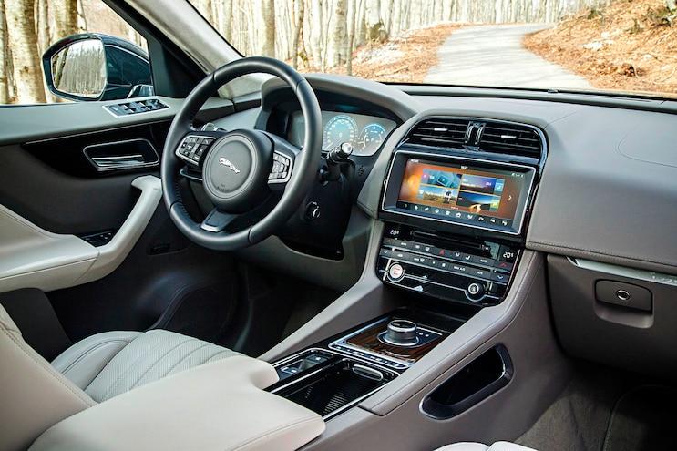 030 2017 Jaguar Fpace First Drive