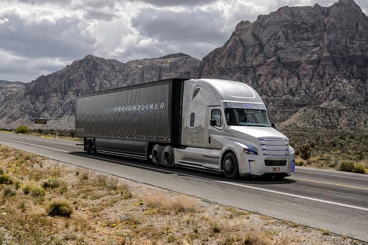 Freightliner Inspiration Front Three Quarter Motion 3
