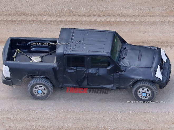 It's Real! 2019 Jeep Wrangler Pickup Caught Testing