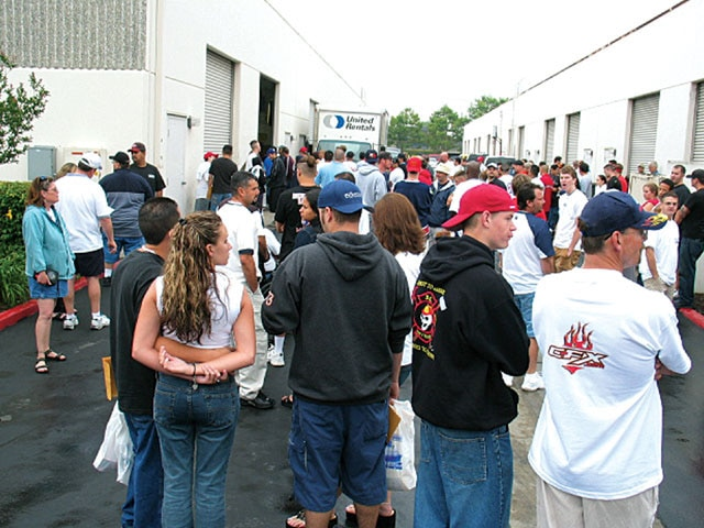 state 2 State Cruise Custom Truck Event crowd