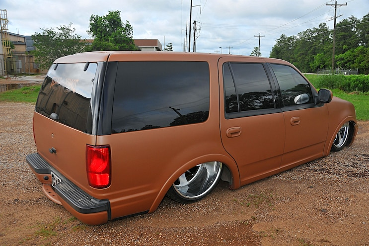 2002 Ford Expedition Oxide Brown Rear