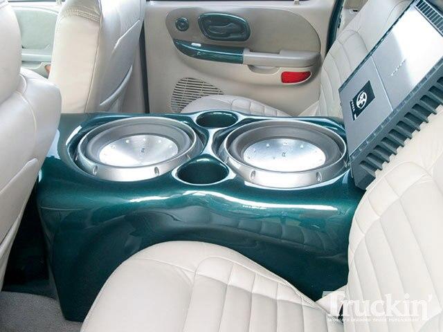 2001 Ford F150 Super Crew - 42 Inch Hitachi TV - Truckin ...