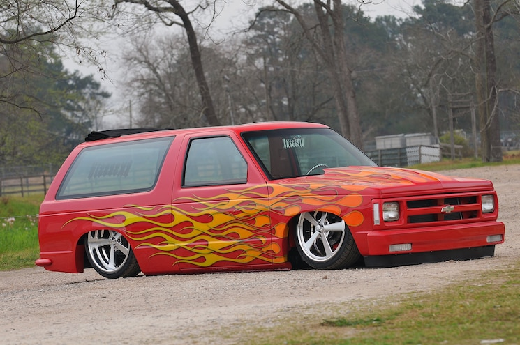 1989 Chevy S10 Blazer With Custom Flame Paint Side