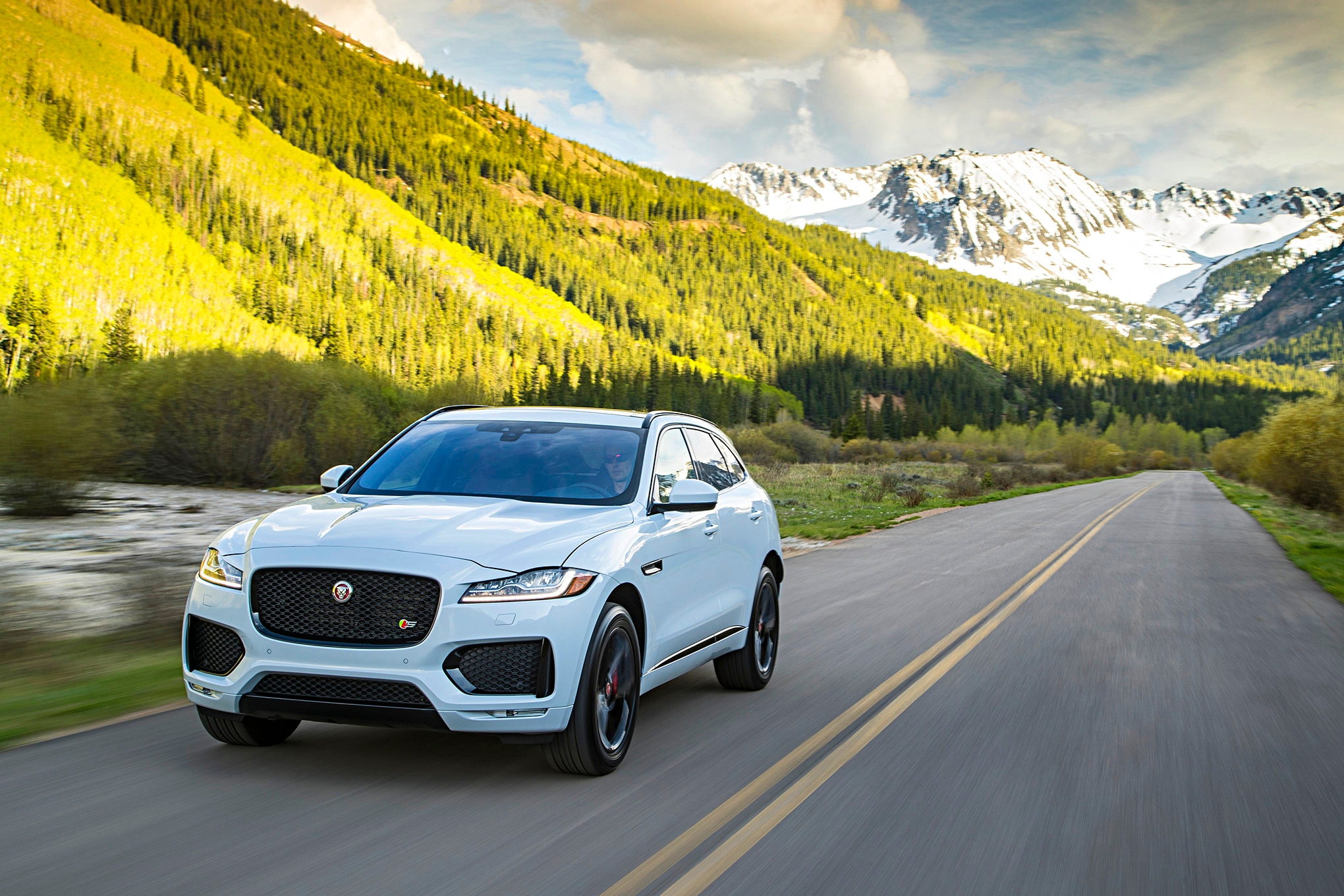 2017 Jaguar F Pace Front Driver Side Motion