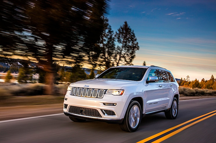 2017 Jeep Grand Cherokee Summit Front Driver Side Motion