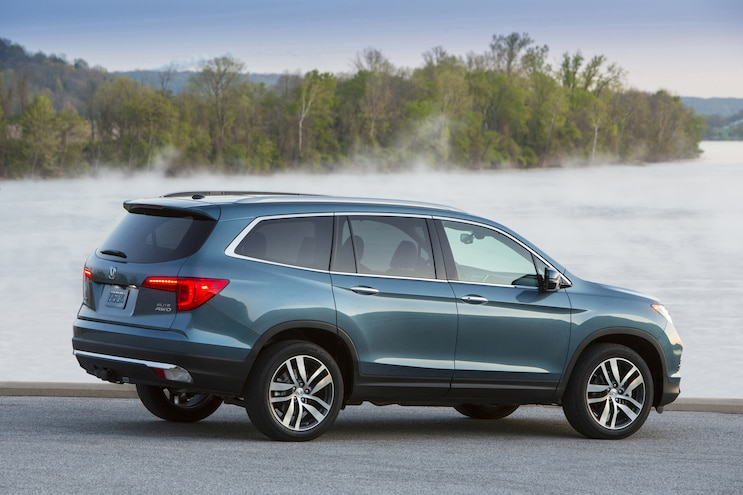 2016 Honda Pilot Rear Three Quarter