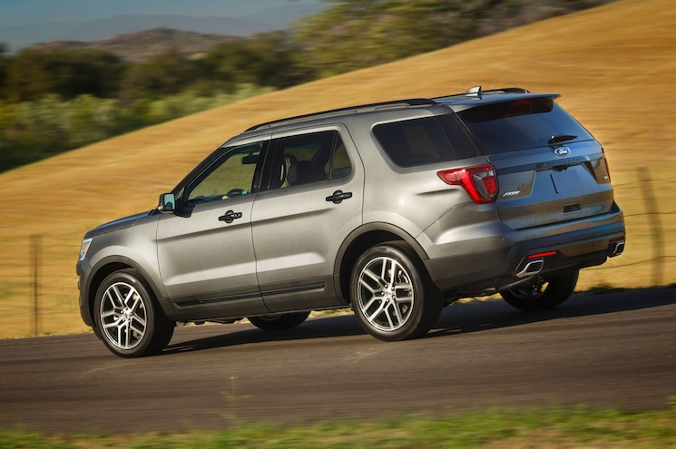 2016 Ford Explorer Sport Front Three Quarter In Motion 05