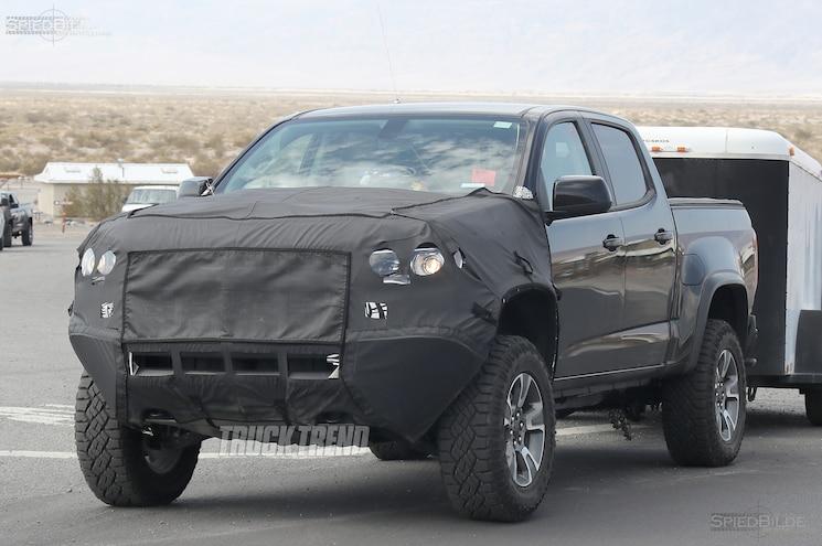 SPIED: 2017 Chevrolet Colorado ZR2 – Broad Shoulders