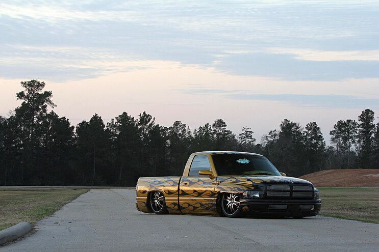 2000 Dodge Ram 1500 Truck Front Quarter