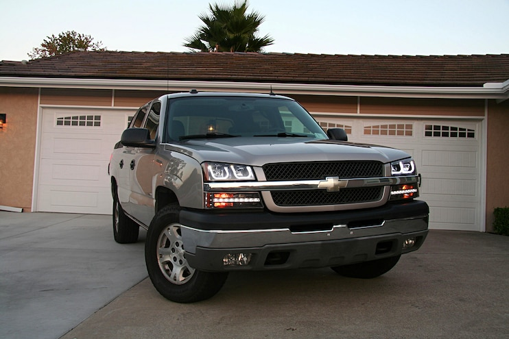 2004 Chevrolet Avalanche Anzo Light Upgrade Finished Front View