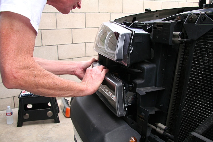 2004 Chevrolet Avalanche Anzo Light Upgrade Plug In
