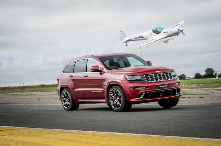2017 Jeep Grand Cherokee Vs Plane Front Quarter