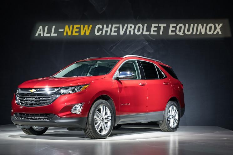 2018 Chevrolet Equinox Reveal Front Three Quarter 03